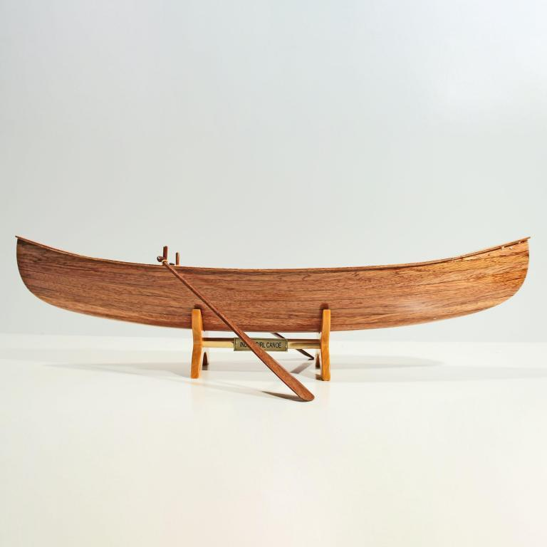 Maquette de bateau en bois faite à la main du Indian Girl Kanus