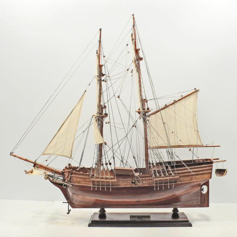 Maquette de bateau en bois faite à la main du Lady of Washington